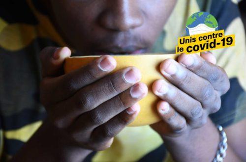 Article : #Askip : À ce qu'il paraît, boire de l'eau chaude protègerait contre le coronavirus
